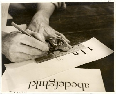 W. A. Dwiggins drawing letters, ca. 1941. Photograph by Robert Yarnall Richie. Collection of Letterform Archive.